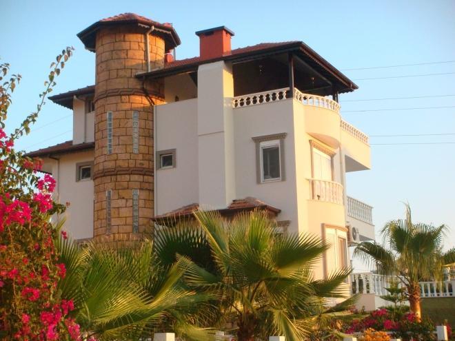 Private villa in the center of Mahmutlar