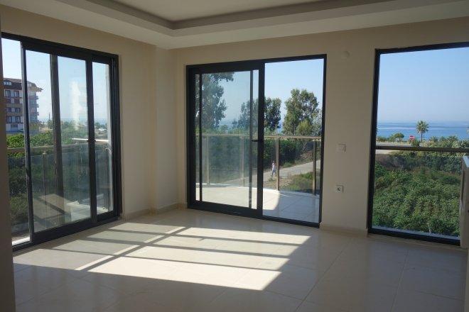 Недорогая новая квартира с видом на море в престижном районе