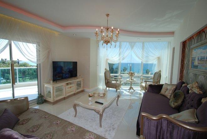 2+1 Роскошный апартамент с полным набором дорогостоящей мебели и техники