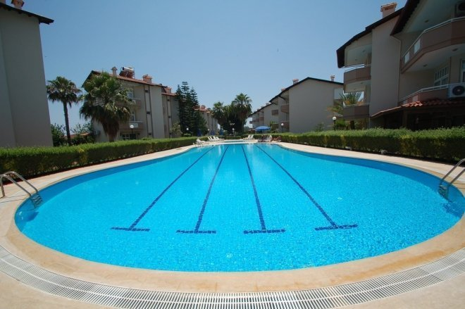 The villa in a gated community of 100 meters from the sea