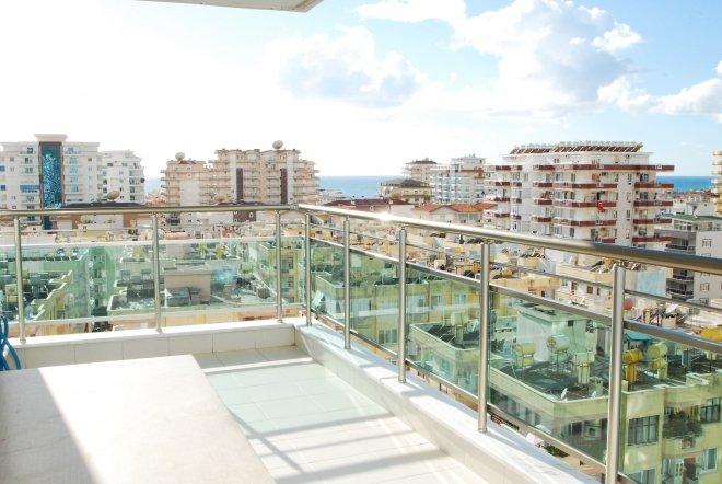 Купить просторную квартиру с отдельной кухней на высоком этаже